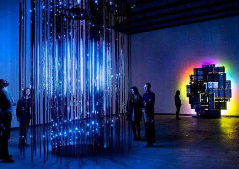 Leo Villareal's Cylinder II | Art Installations, Sculpture, Contemporary Art | Scoop.it