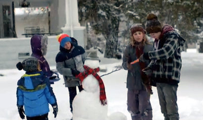 Apple's tearjerker holiday ad: Self-absorbed teens care after all   Latest Tech News   Scoop.it
