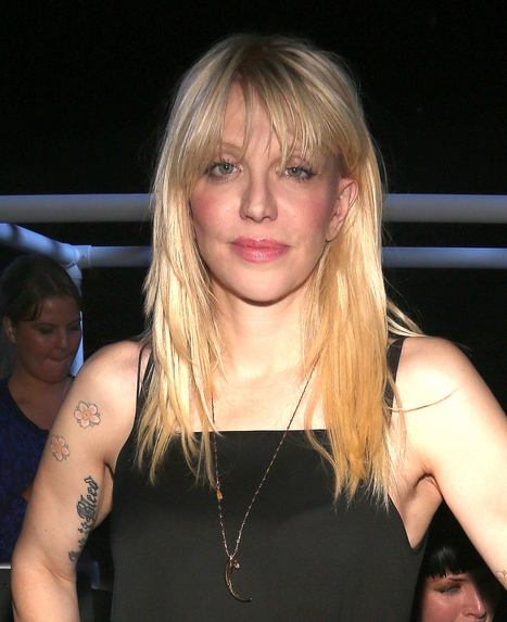 Courtney Love Follows Up Plane Search With One for Daniel Tosh's Penis | Vloasis sex corner | Scoop.it