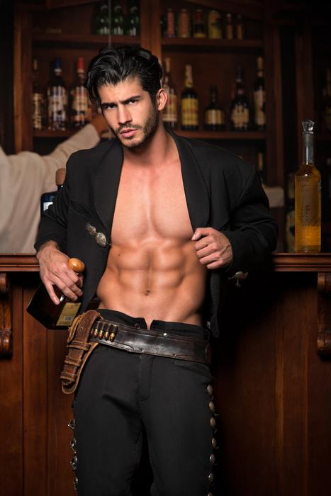 Irving Peña by Noel Cruz fotografía | THEHUNKFORM.NET | Scoop.it