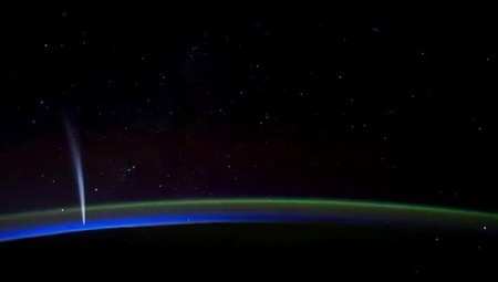 Spend 2 minutes at the edge of space [Video] | Daily Magazine | Scoop.it