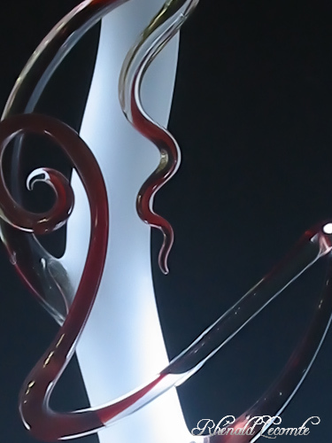 Art Verrier - Lampes sculpture design en verre - Rhénald LECOMTE, verrier à la flamme - La Gacilly - Village d' Arts - Morbihan. | Art verrier - Courbes de verre et territoires d'expression | Scoop.it