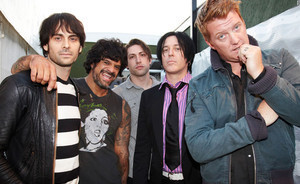 Queens Of The Stone Age, Gasilght Anthem, Alice In Chains to Play UK Download Festival 2013   ...Music Festival News   Scoop.it