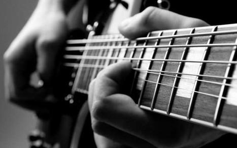 Υπέροχοι κυματισμοί από το εσωτερικό μιας κιθάρας (Βίντεο) | omnia mea mecum fero | Scoop.it