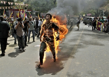 Tibetan man sets himself on fire in protest | Photojournalism - Articles and videos | Scoop.it