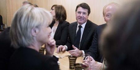 Le Pen et Estrosi favorables à un référendum sur l'immigration   Politique   Scoop.it