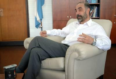 """Infobae TV: """"Jorge Aliaga, el Decano atrincherado de la Facultad de Ciencias Exactas"""" (24 oct)   La toma en Exactas UBA (del 22 al 25 de octubre de 2013)   Scoop.it"""