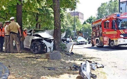 The very first F82 BMW M4 crash on a public road in Germany - CamaroCarPlace | Automobiles news and articles | Scoop.it