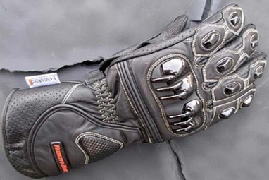 Best Fit branded Motorcycle Gloves in Popular Designs | Tested Motorcycle Gloves | Scoop.it