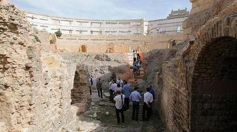 Los técnicos aconsejan el derribo de la parte de la plaza de toros que pone en peligro el anfiteatro. | LVDVS CHIRONIS 3.0 | Scoop.it