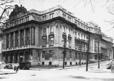 Ecole des Hautes Études Commerciales, 8 avril 1936   Photos ancestrales de Montréal   Scoop.it