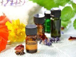 Acné : utiliser les huiles essentielles pour soigner sa peau - TopSanté   la santé naturelle   Scoop.it