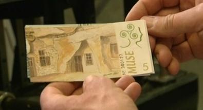 l'Euro et les monnaies locales à Angers - Monnaies locales - France 3 Régions - France 3 | Monnaies En Débat | Scoop.it