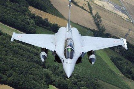 Un rafale intercepte un avion de tourisme au dessus du pic | Bugarach | Scoop.it