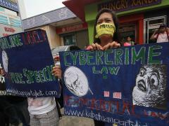 Lawyer wants test case on Cybercrime Law | News | GMA News ... | Cyber Crime Law | Scoop.it