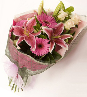 Mixed flower bouquet deliver to your wife on her birthday – Flower_Bouquet#003 | mother's day flower | Scoop.it