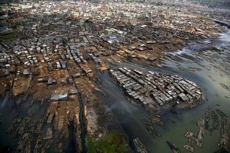 YannArthusBertrand2.org - Fond d écran gratuit à télécharger || Download free wallpaper - Bidonville de Makoko, lagune de Lagos, État de Lagos, Nigéria (6°29'N - 3°24'E). | Les villes dans le Monde | Scoop.it