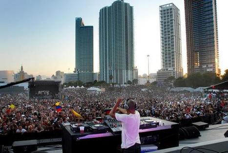 """""""Serginho M"""" Festivais de verão ao rubro com nomes como David Guetta, Chris Liebing, Axwell e Hardwell   Festivais Verão   Scoop.it"""