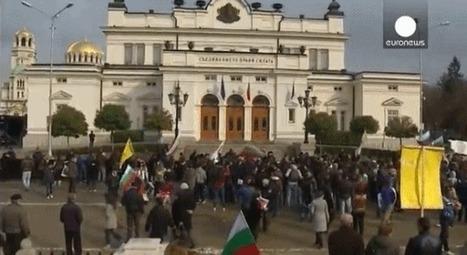 Estudiantes búlgaros bloquean el Parlamento | Un poco del mundo para Colombia | Scoop.it