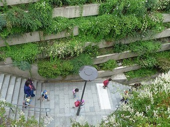 Paris' Elevated Park Predates NYC's High Line by Nearly 20 Years | green streets | Scoop.it