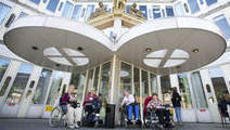 'Kwetsbare oudere met AOW-uitkering staat pijnlijke armoede te wachten ... - Volkskrant | DaniqueVerzorgingsstaat | Scoop.it