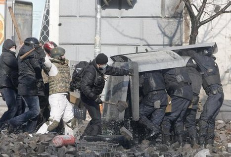 #CRISIS Clashes in Ukraine leave 4 dead; deadline looms | News You Can Use - NO PINKSLIME | Scoop.it