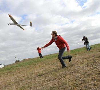 Gimont. Un drone pour surveiller les lignes électriques - La Dépêche | Des robots et des drones | Scoop.it