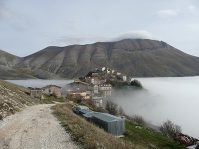 Monti Sibillini National Park - mountains, lakes and great history - Travel via Italy   Hideaway Le Marche   Scoop.it