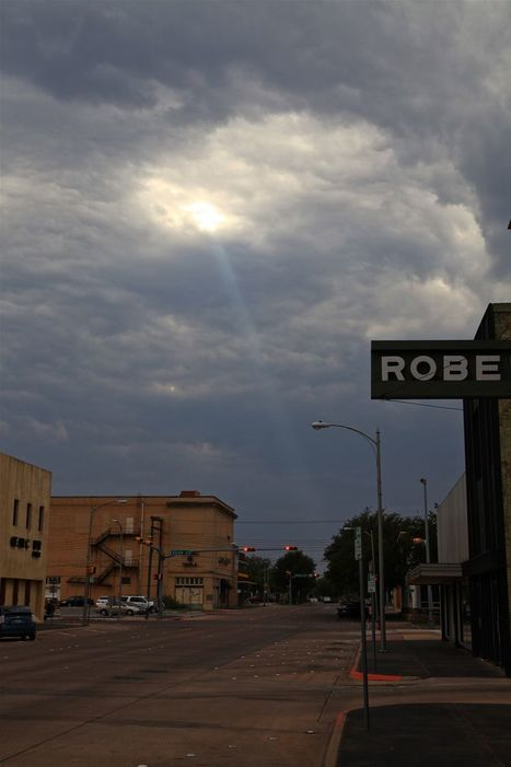 Crepuscular Ray Over Abilene, Texas - Earth Science Picture of the Day | Nerd Alert | Scoop.it