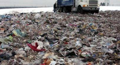 """""""Wecyclers"""", des vélos-recycleurs dans les bidonvilles de Lagos 