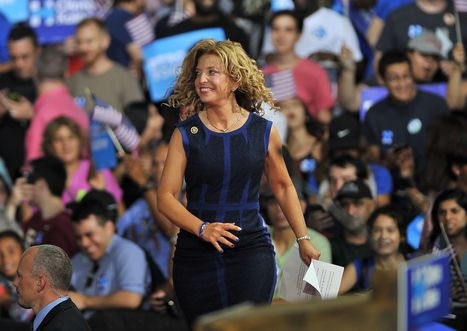 Class Action Lawsuit Against Debbie Wasserman Schultz Moves Forward | Xposing Government Corruption in all it's forms | Scoop.it