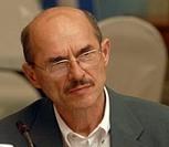 La FIG suspende a uno de sus miembros honorarios