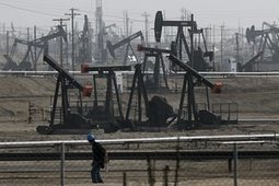 Oil firms announce $1bn climate fund to clean up gas | Climate change | Scoop.it