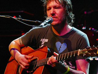 Lost Elliott Smith song, 'The Real Estate,' surfaces on his high school ... - Entertainment Weekly | IndiePop | Scoop.it