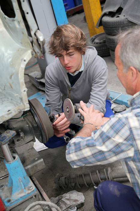 The re-emeregence of apprenticeships in U.S. : The Chronicle of ... | Design Education | Scoop.it