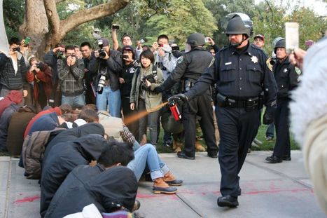 Video: UC Davis Police Casually Pepper Spray Sitting Protesters | Human Rights and the Will to be free | Scoop.it