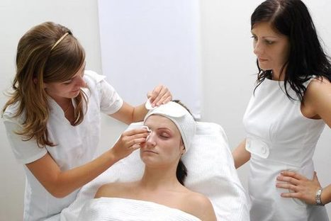 How to Become a Skincare Specialist | Cosmetology Degree Online | Scoop.it