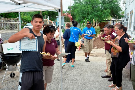 Urban food desert pilot project an 'oasis' for at-risk youth - Phys.Org | Students in Food Science | Scoop.it