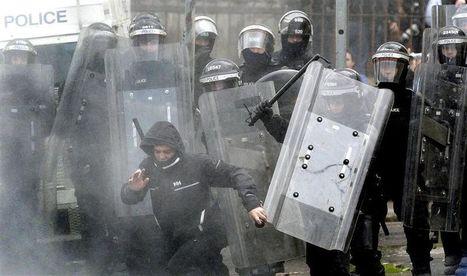 Quarante-sept policiers blessés dans des violences à Belfast | Union Européenne, une construction dans la tourmente | Scoop.it