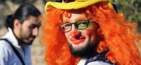 Il tentait d'apporter un peu de réconfort aux enfants: le clown des rues d'Alep est mort | Florilège | Scoop.it