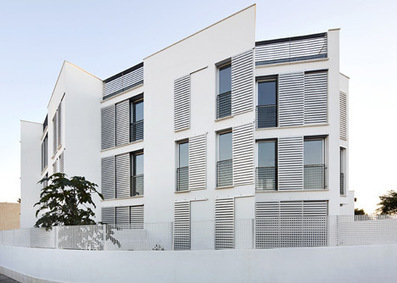 14 Official Proteccion Housing in Ibiza by Castell-Pons Arquitectes | Arquitectura: Plurifamiliars | Scoop.it