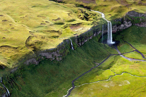 Breathtaking Aerial Landscapes of Iceland by Sarah Martinet   Inspirational Photography to DHP   Scoop.it