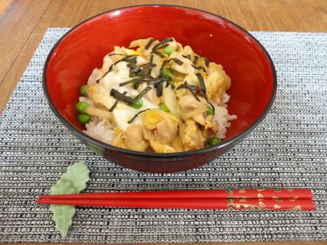 Poulet aux oeufs - Donburi - Oyakodon 親子丼   CuisineJaponaise   Scoop.it