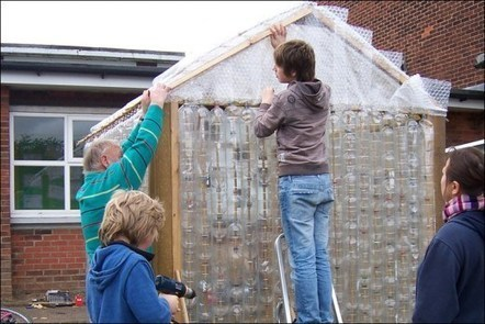 How to Build a Greenhouse Made From Plastic Bottles | Agricultural & Horticultural Industry News | Scoop.it