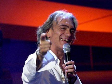 Polemica su Riccardo Fogli: canta sul palco della Crimea russa   Attualità   Scoop.it