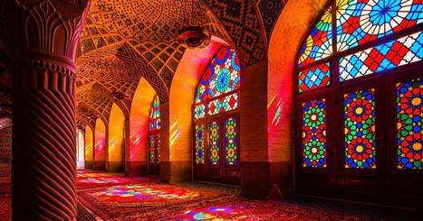 La mosquée inondée de lumière par ses vitraux | miseauverre.com | Scoop.it