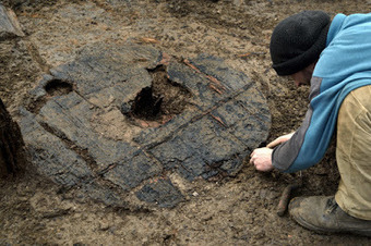 The Archaeology News Network: Complete Bronze Age wheel found at Must Farm | Histoire et archéologie des Celtes, Germains et peuples du Nord | Scoop.it