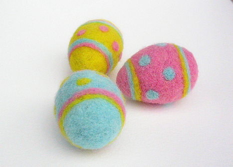 Polka Dots Needle felted Easter eggs | Needle felting art by Green Dot Creations' Studio! | Scoop.it