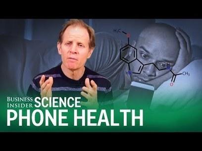 Wat gebeurt er met je brein als je jouw smartphone checkt vlak voor je gaat slapen? | Mediawijsheid en ouders | Scoop.it