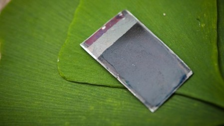 "Self-healing ""artificial leaf"" produces energy from dirty water 